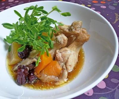 鶏手羽元のスープ煮