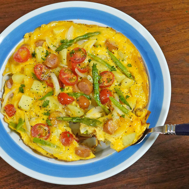 ウインナーと春野菜のふわとろスパニッシュオムレツ
