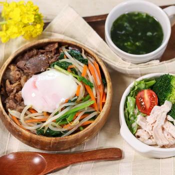 【野菜いろいろ】レンチンナムルでズボラなビビンバ丼
