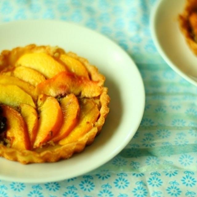 桃のタルトレット *Peach Tartlets*