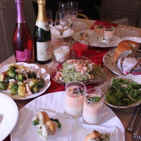 オードブルにホワイトアスパラガスのムース カラフルペッパーのせ メインは牛肉のポピエットなど古すぎて申し訳ないイブディナーなど