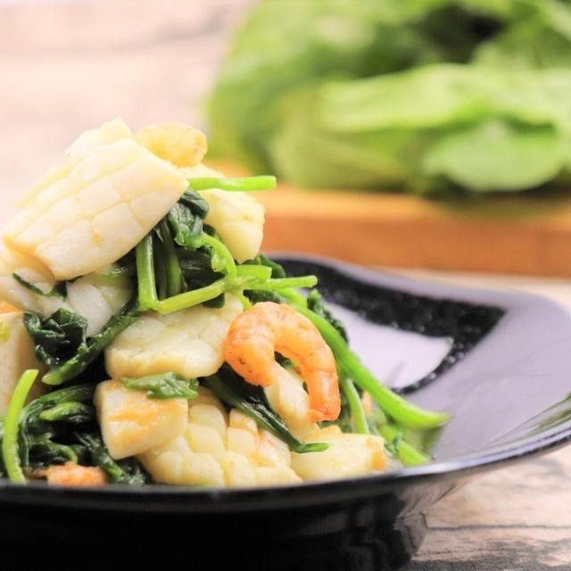 ほうれん草と海鮮の炒め物