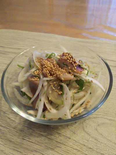 新玉ねぎとイカのサラダ