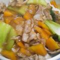 豚こま切れ肉とチンゲン菜の中華丼
