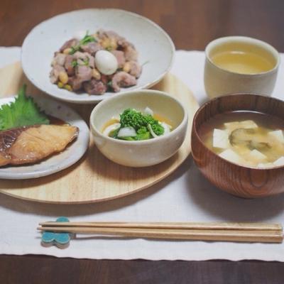 豚肉とお豆の塩麹炒めのお夕飯。