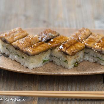 鰯の蒲焼きと大葉の押し寿司