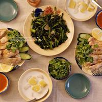 海南鶏飯とサツマイモのチェー。