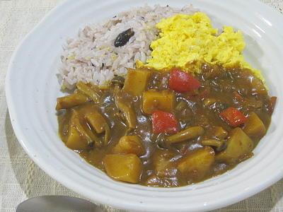 雑穀米で、オムきのこカレー