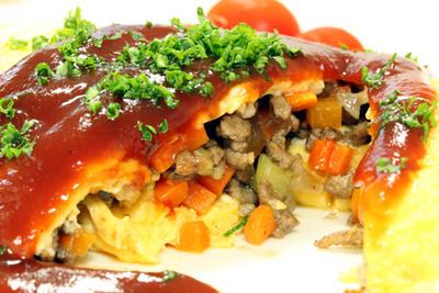 茄子と挽肉のオムレツ