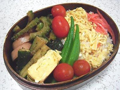 ちらし寿司弁当。茄子の煮物と野菜ばっかりのご飯