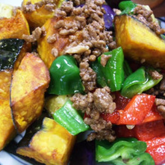 カラフル野菜のソースそぼろがけ