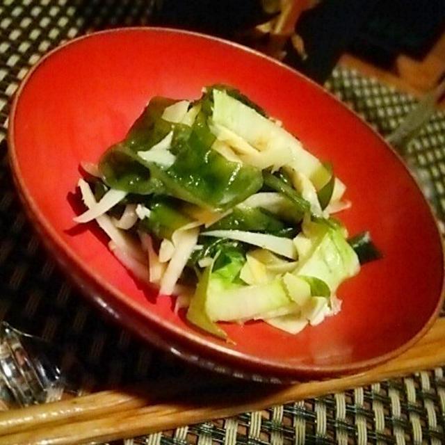筍姫皮、若布、チコリの酢味噌和え、ウドと牛蒡の和え物、飯蛸墨飯と合わせたのは何と、、、