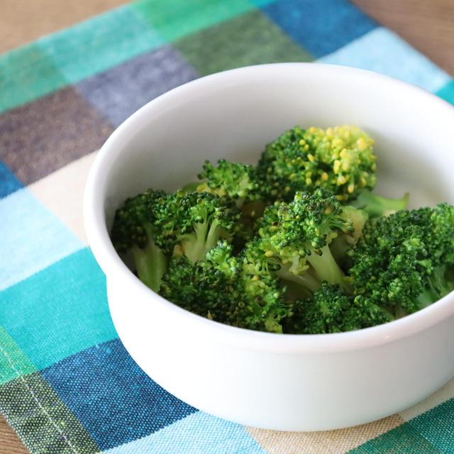 人気の簡単作り置き常備菜レシピ。ブロッコリーのめんつゆバターの作り方。