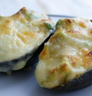 アボカドの明太マヨチーズグリル