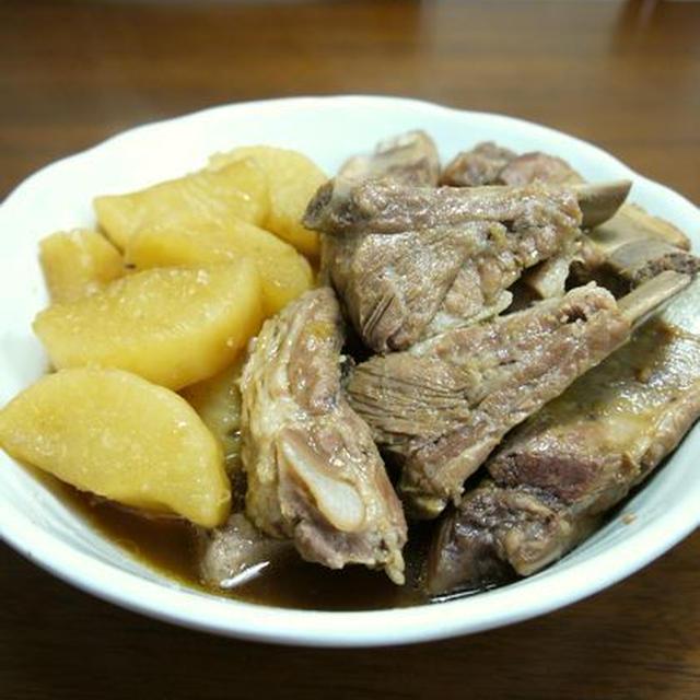【沖縄料理】ソーキと大根の煮物♪
