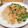 鶏挽肉のバジル炒めライス