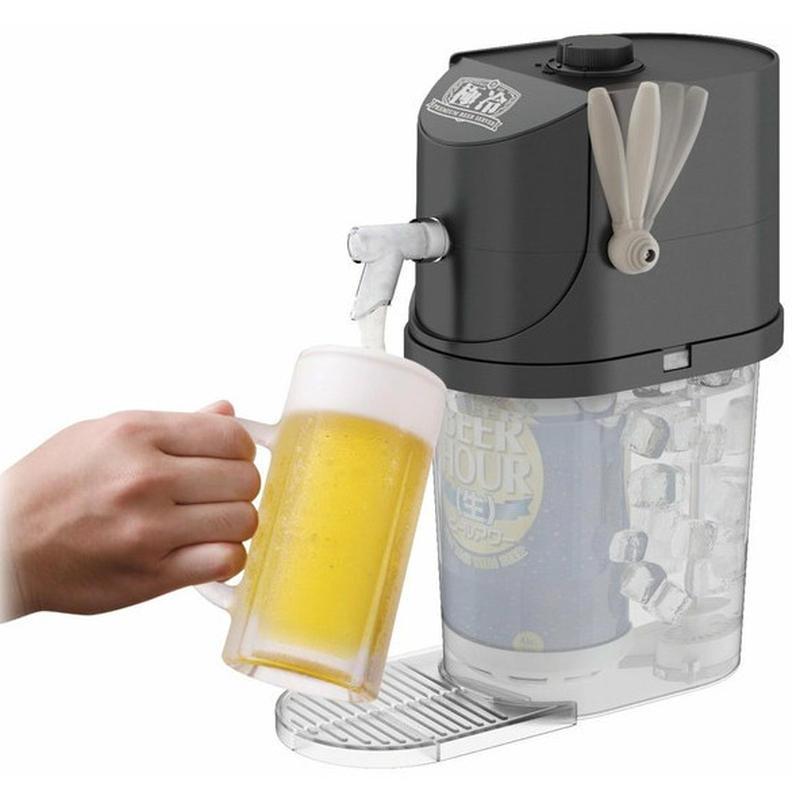 氷と水で常温の缶ビールを氷点下まで冷し、生ビールのように注げる家庭用のサーバー。4大メーカーの缶ビー...