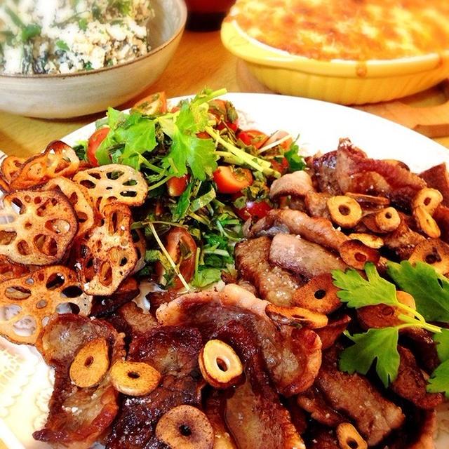 焼肉とニラとひじきの白和え。長芋グラタン。