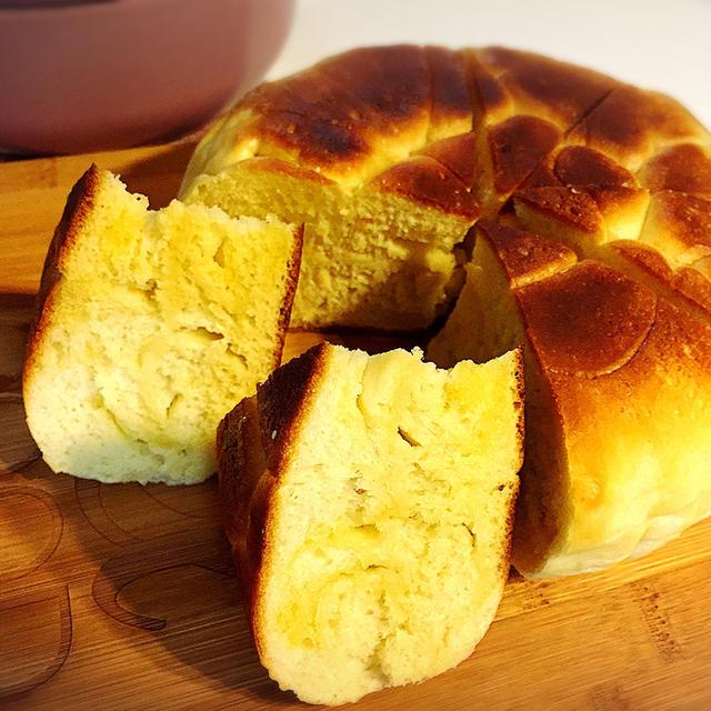 塩バターパンをルクルーゼで焼こう♪