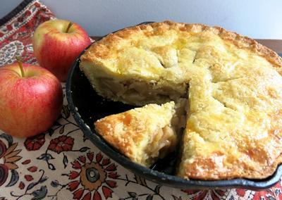 バターの風味が豊かな本場アメリカのアップルパイ