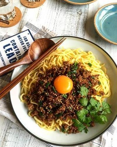 台湾風混ぜそば ✳︎フライパンひとつ✳︎麺✳︎簡単✳︎節約✳︎