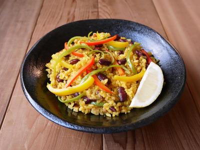 豆とベーコンのパエリア風炊き込みご飯