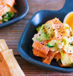 包丁いらず♪抱えて食べたいヤミつき副菜♪『ひらひらズッキーニと人参のゴマ味噌サラダ』
