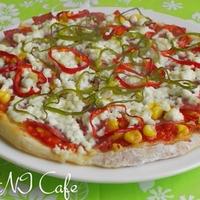 ヘルシーなミックスピザ