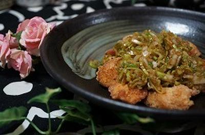 鶏胸肉のオニオンソース