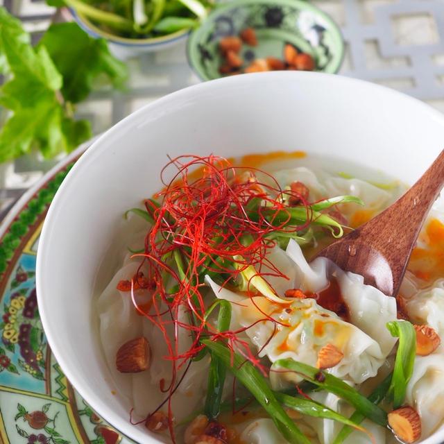 【つるんとのどごしが美味】プリプリエビのワンタンスープ