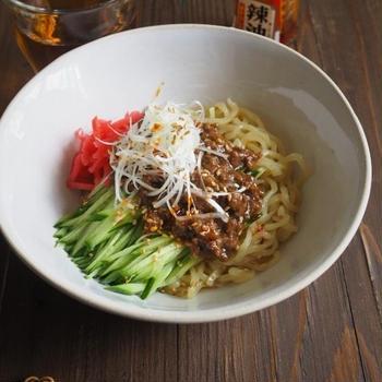 おひとりさまの炸醤麺(じゃーじゃー麺)