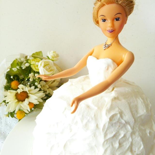 ドールケーキ《ウエディングドレスショートケーキ編》クリスマスケーキやお誕生日などのパーティーに!