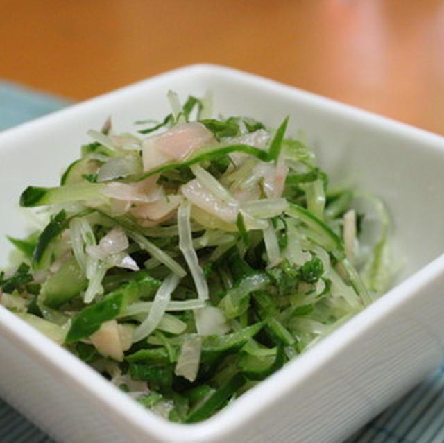 水菜ときゅうりのガリ和え と ししとうのにんにくポン酢蒸し