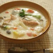 お魚メニューを増やそう!鮭と野菜のチャウダーレシピ
