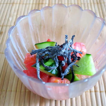 トマトと胡瓜の塩昆布サラダ ~簡単蒸しナスと