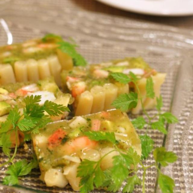 海老アボカドテリーヌとトマトとナスのモッツァレラチーズのパスタ