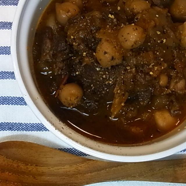 ラム肉とひよこ豆の赤ワイン煮込み