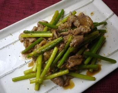 ニンニクの芽と豚肉の味噌炒め