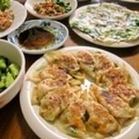 GABANあらびきチリペパーでぴり辛旨な夕食「ニラキムチ餃子」のレシピあり