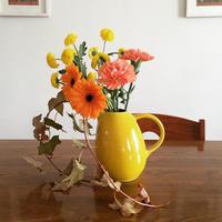 ハロウィンカラーのお花とお料理