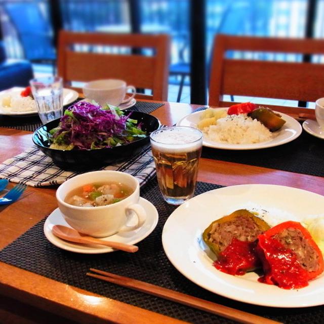 パプリカの肉詰め☆根菜と豚バラ肉のコク旨スープ