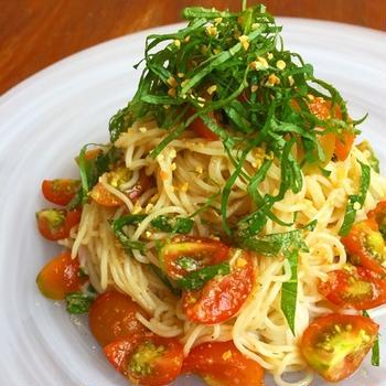 麺と和えるだけ♪簡単 トマトと青じその冷製麺