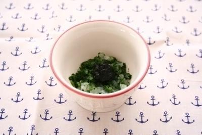 レシピブログ連載☆離乳食レシピ☆「新玉ねぎとほうれん草の海苔和え」更新のお知らせ♪