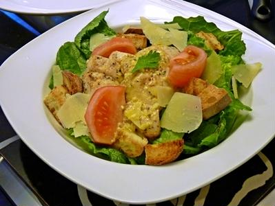 塩麹チキンシーザーサラダ+ツナマヨピッツァ