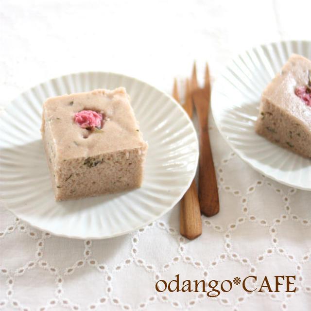 桜スイーツ♪米粉とあんこの蒸しケーキ