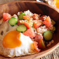 <フレッシュトマトとキュウリのエスニック風焼き飯> by はーい♪にゃん太のママさん