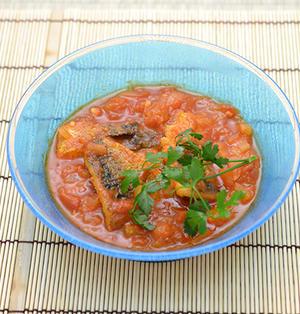 レシピ---さばのトマト煮/イタリアン・メイン魚料理/山下達巳氏の青いガラス鉢