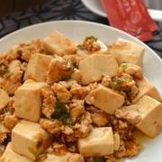 鶏麻婆豆腐。[鶏ひき肉・絹豆腐]★★☆ 後がけオイルで辛さ増し
