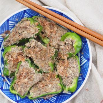 【食べ痩せレシピ】レンジで3分♡材料4つ・ピーマンのイワシ詰め♡