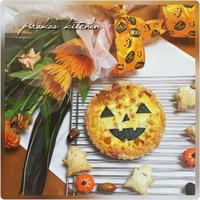 ハロウィンのフラワーアレンジメントと料理